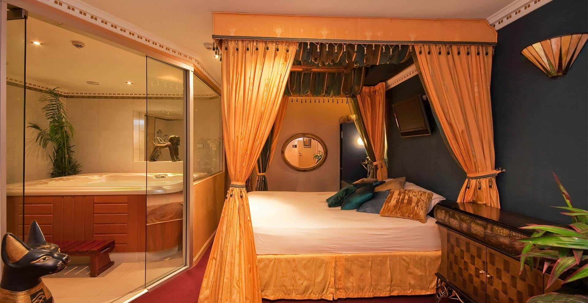 Cleopatra Suite with Jacuzzi